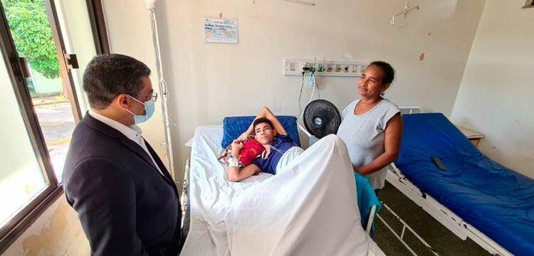 Com câncer avançado, jovem precisa de oxigênio para ficar em casa