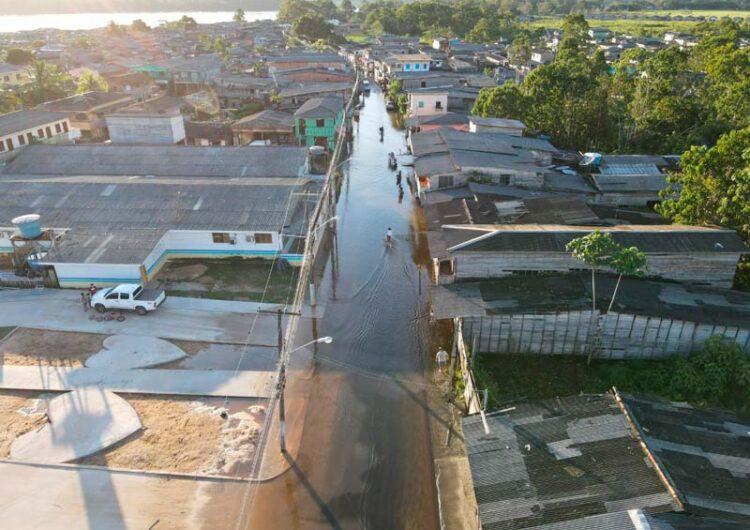 Com 8 bairros alagados, Laranjal decreta situação emergência