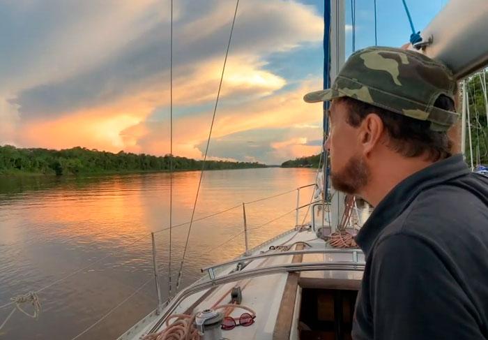 Expedição do Amapá parte de Belém e inicia subida do Rio Amazonas