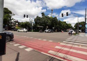 Semáforos inteligentes não têm previsão para funcionar