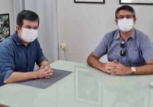 SNTV: Randolfe evita falar sobre eleições e diz que prioridade é ter mais vacinas