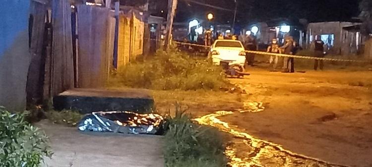 Comerciante é morto com mais de 10 tiros após perseguir dupla de assaltantes