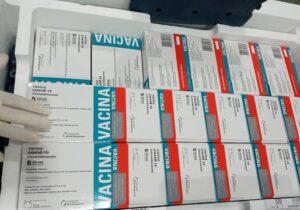 Lote de 18 mil doses de AstraZeneca é reservado para D2 de grupos prioritários
