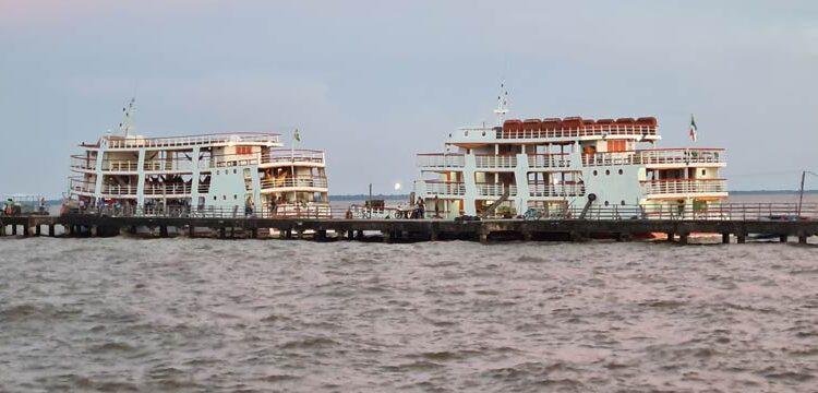 Perigo: Clandestinamente, barcos de passageiros usam trapiche inacabado
