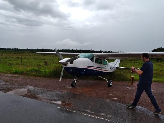 Avião faz pouso forçado na BR-156 no Amapá