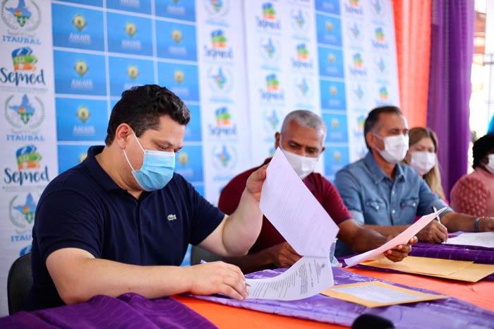 Ordem de serviço é assinada para pavimentação do ramal do Macacoari