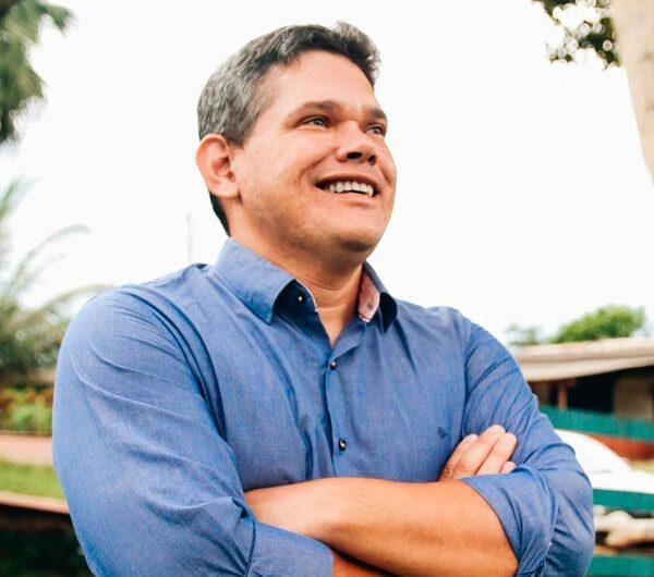 Candidato derrotado pede que cassação de prefeito seja cumprida