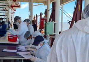 Tripulação filipina não está vacinada; testes confirmam 8 infectados