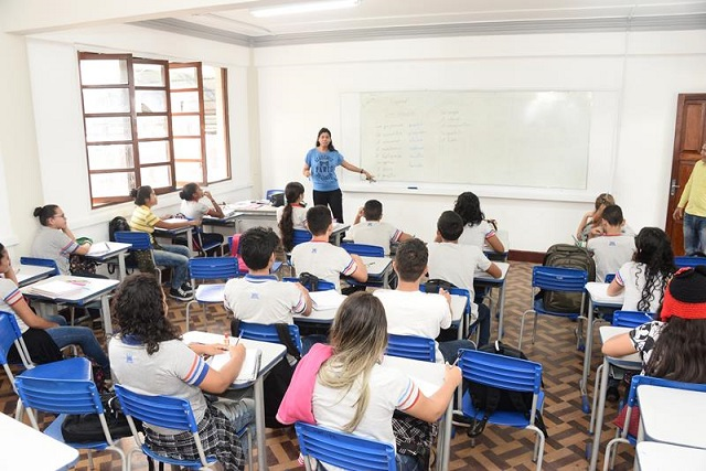 Estado convoca 614 professores para contratos