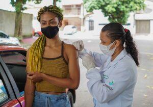 Vacinação contra covid: hoje é o dia para jovens de 19 anos em Macapá