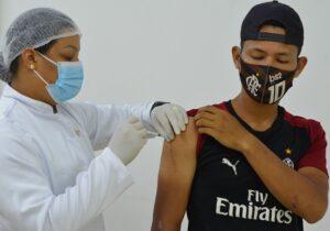 Vacinação de 12 horas alcançou mais de 10 mil pessoas em Macapá