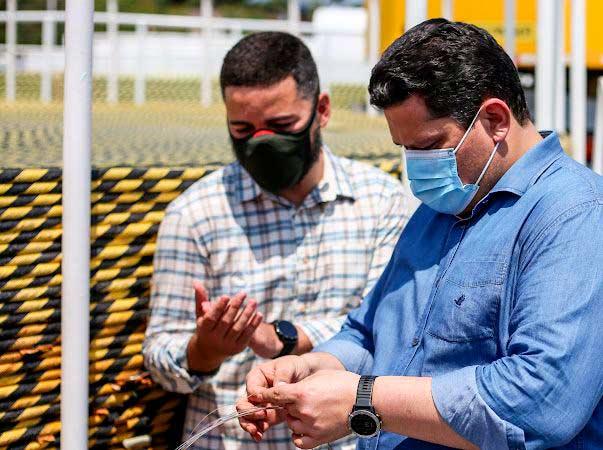 Internet: Senador inspeciona balsa que vai lançar 770 km de fibra ótica no Amapá