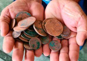 O mistério das moedas de 200 anos