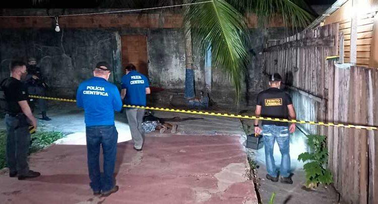 Jovem é executado ao lado da casa da mãe