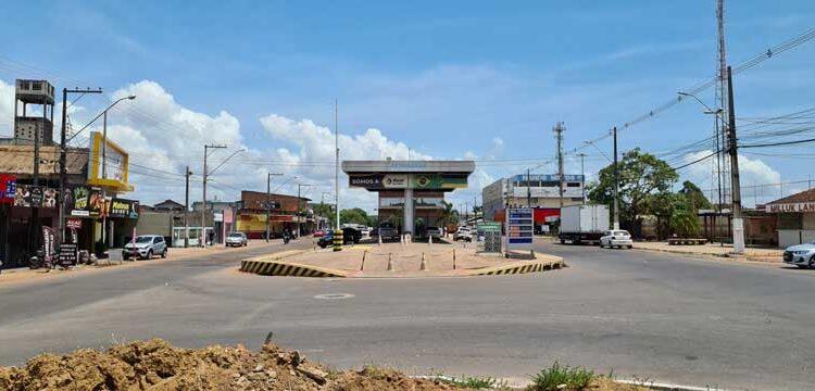 Polêmica: Ação pede demolição de posto construído em canteiro central